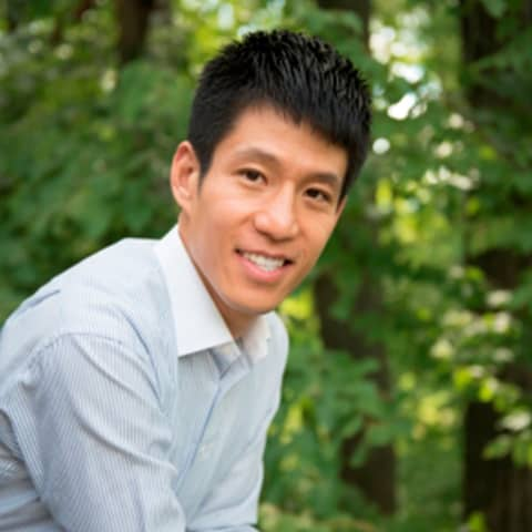 Grand Rapids Dentist Suk Jun Yun